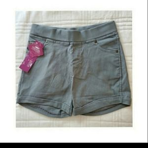 🆕️FASHION GRAY FITTED SHORTS WOMEN ONE S